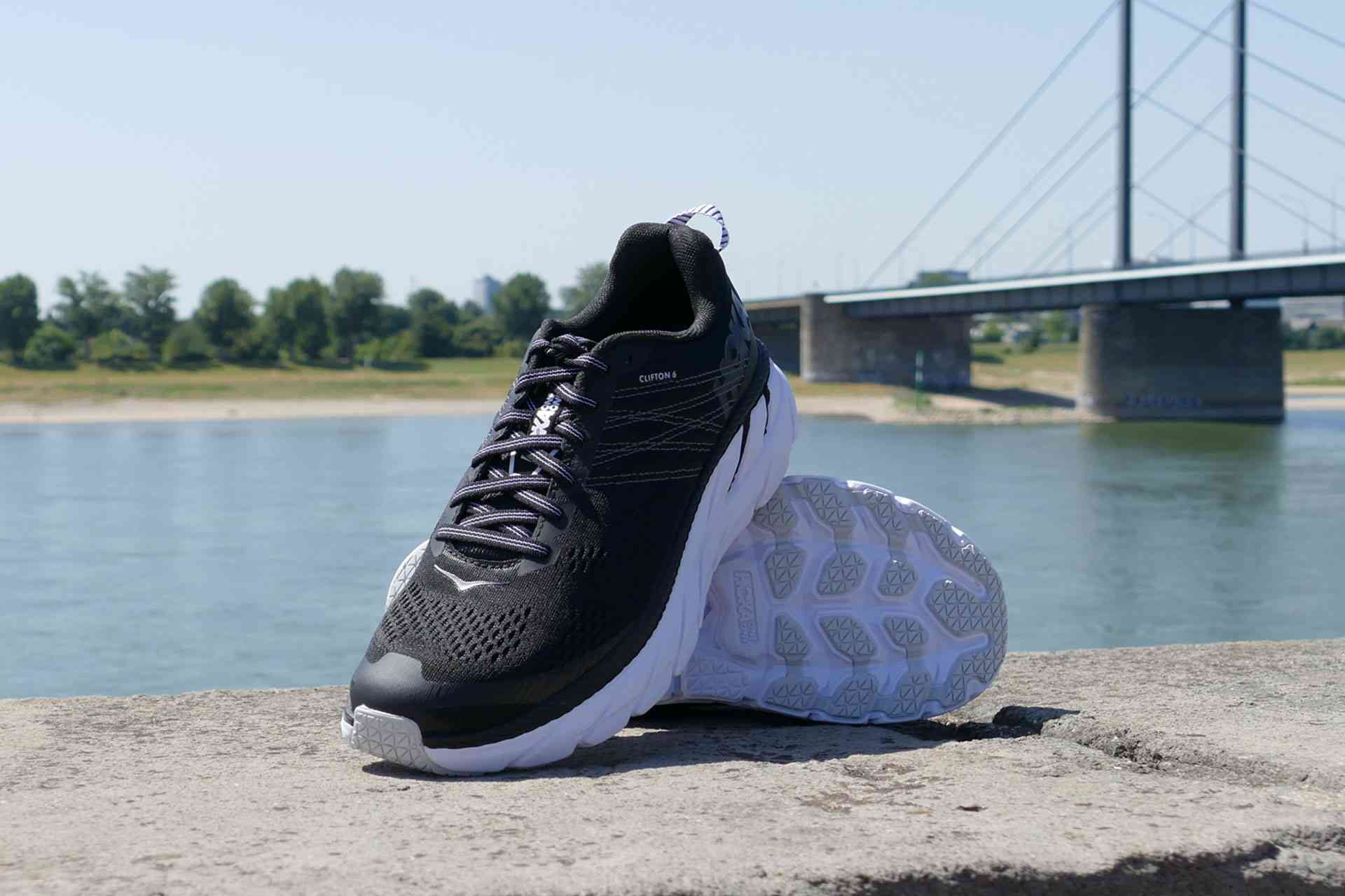 hier:Test HOKA ONE ONE Clifton 6