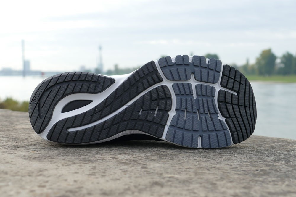 Was ist anders beim New Balance 860 v10? Sohle